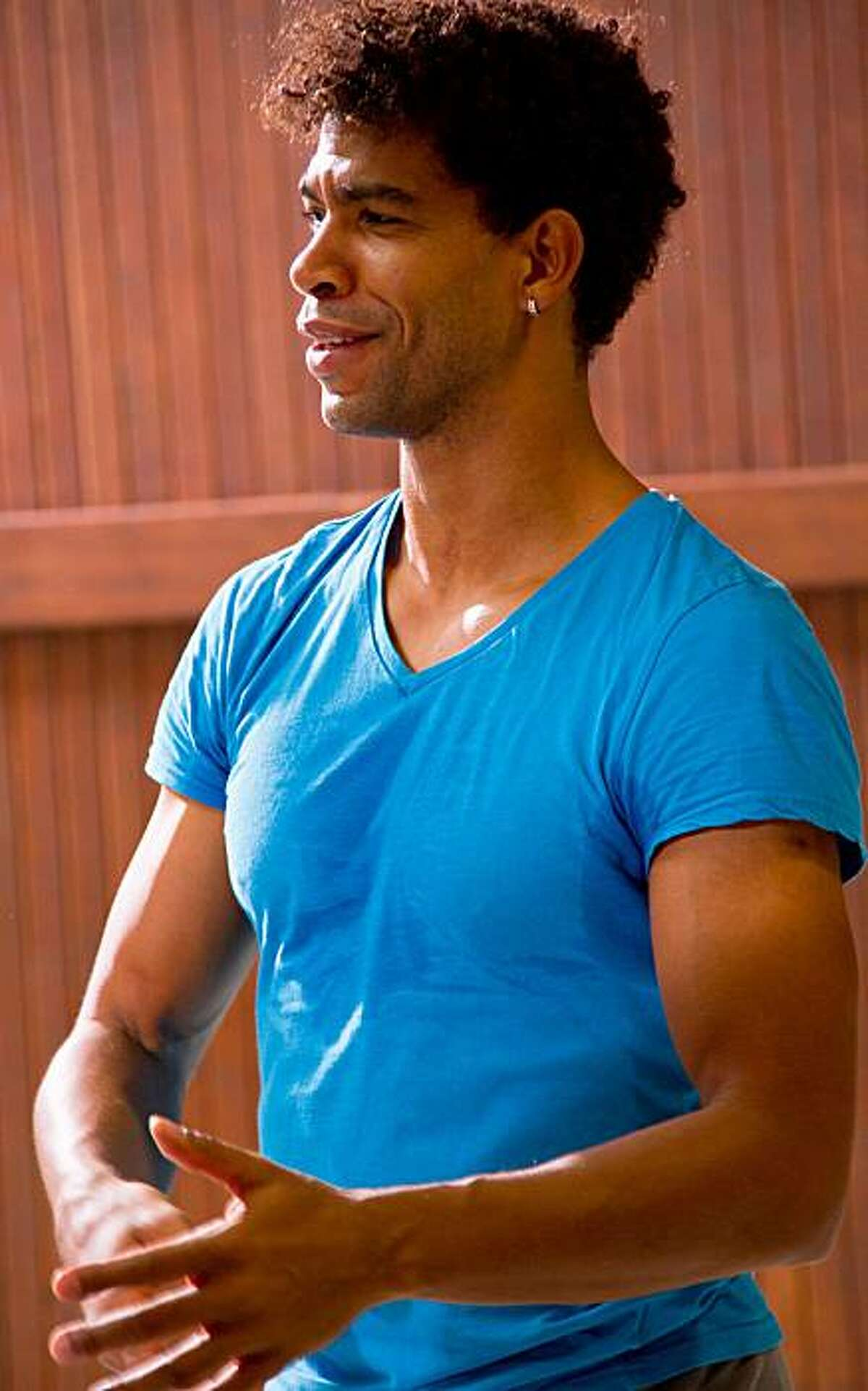 Here are some shots of Carlos Acosta in rehearsal for SWAN LAKE at Ballet San Jose. . All photos are by John Gerbetz
