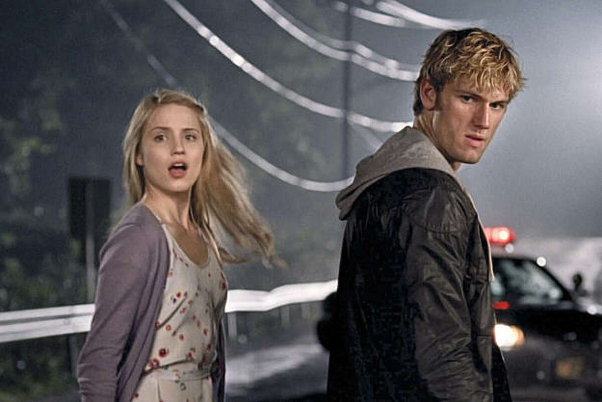 Dianna Agron and Alex Pettyfer in