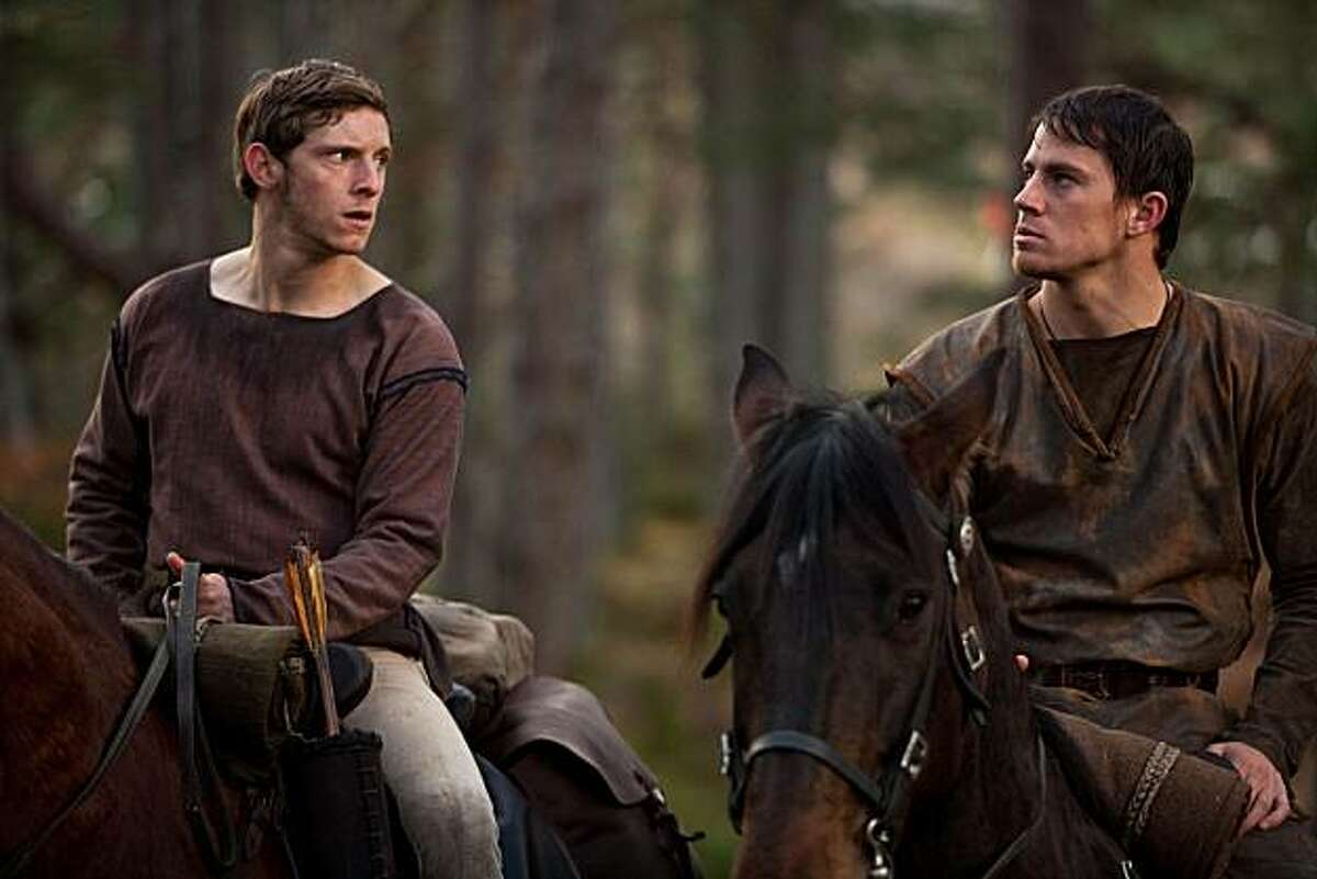 28326 - Jamie Bell (left) and Channing Tatum (right) star in the Roman epic adventure THE EAGLE, a Focus Features release directed by Academy Award winner Kevin Macdonald. Photo Credit: Keith Bernstein.