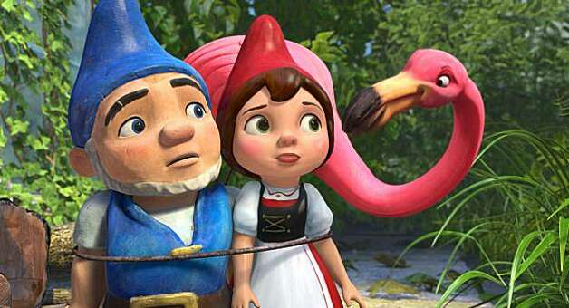 """GNOMEO AND JULIET""  (L-R) Gnomeo, Juliet, Featherstone Photo: Touchstone Pictures"