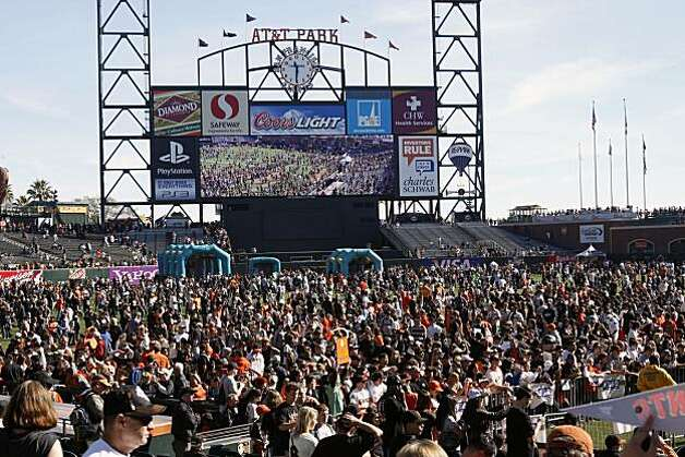 Giants fans crowd the field setting attendance records for FanFest at AT&T Park in San Francisco Calif. on Saturday, Feb. 5, 2011. Photo: Alex Washburn, The Chronicle