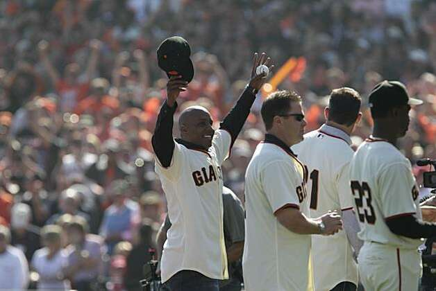 Barry Bonds acknowledges the crowd before Game 3 of the National League Championship Series with the San Francisco Giants playing the Philadelphia Phillies at AT&T Park on Tuesday, October 19, 2010 in San Francisco, Calif. Photo: Lacy Atkins, The Chronicle