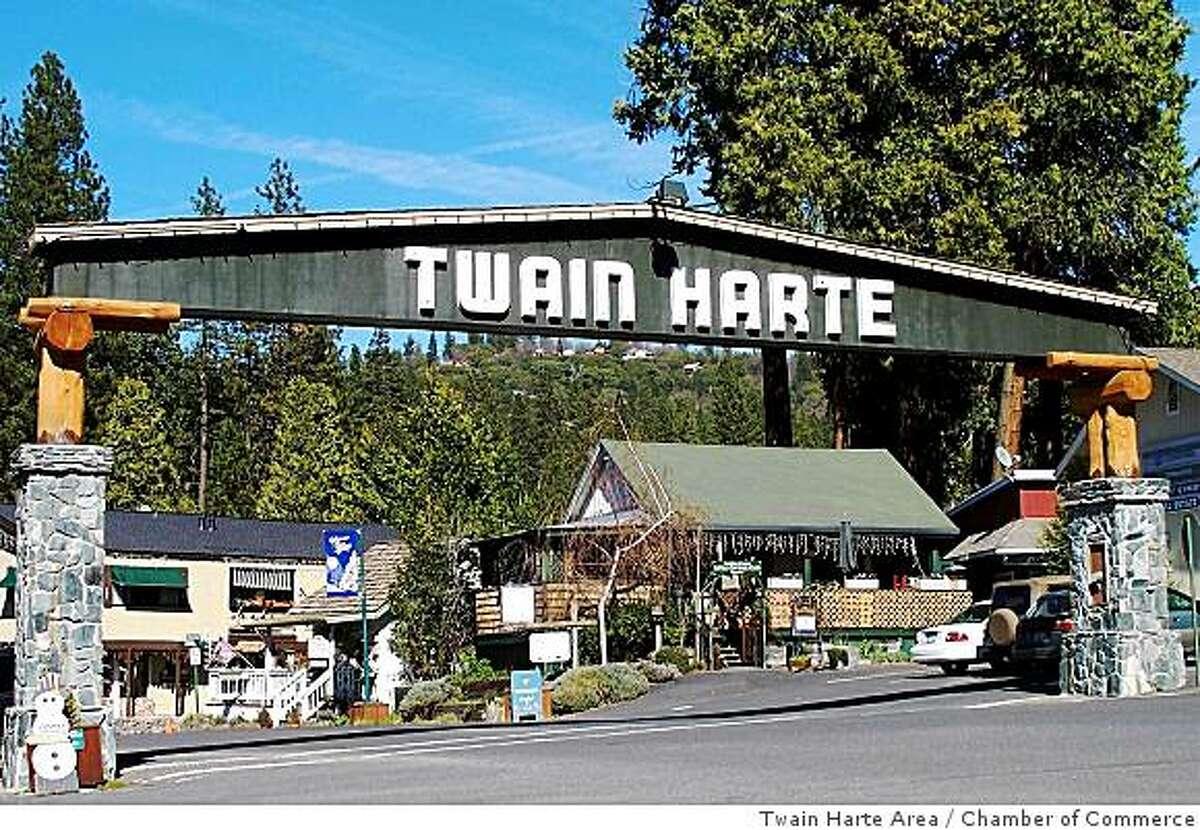 The Twain Harte Arch.
