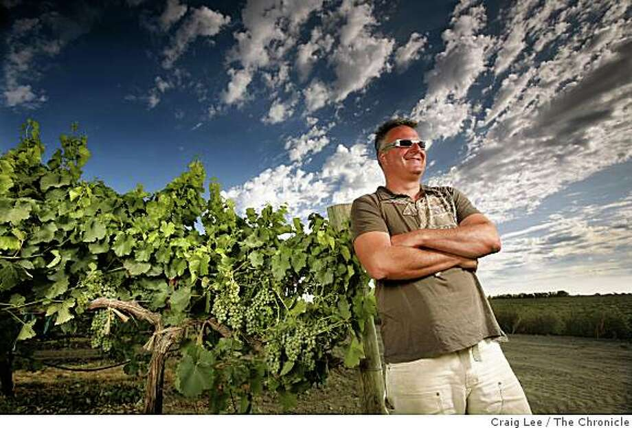 Abe Scholium, winemaker for his Scholium Project wine, next to his verdelho vineyard in Walnut Grove, Calif., on July 29, 2008. Photo: Craig Lee, The Chronicle