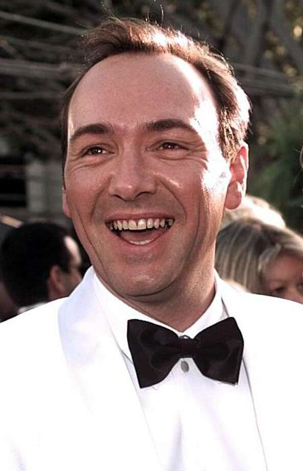 "Actor Kevin Spacey and his mother Kathleen arrive at the 68th Annual Academy Awards in Los Angeles, Monday, March 25, 1996.  Spacey won for Best Supporting Actor for his part in ""The Usual Suspects."" (AP Photo/Mark Terrill) Photo: Mark Terrill"