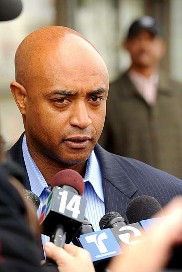 Oakland Police Chief Chief Anthony Batts, a finalist for the top cop job in San Jose, speaks with reporters on Monday, Jan. 17, 2011, in Oakland, Calif. Photo: Noah Berger, Special To The Chronicle