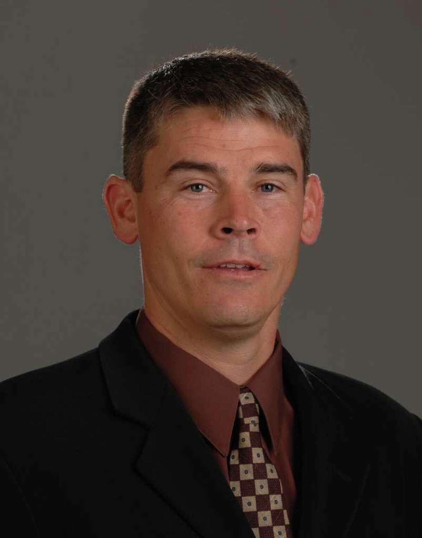 mike nesbitt, UH offensive coordinator