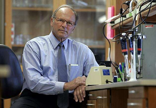 Dr. Bertram Lubin sits in a lab at Children's Hospital Oakland Research Institute on 6/1/05 in Oakland, Calif.  Dr. Lubin oversees an umbilical cord blood bank that uses blood to treat siblings for genetic diseases such as sickle-cell anemia. Photo: Paul Chinn, The Chronicle