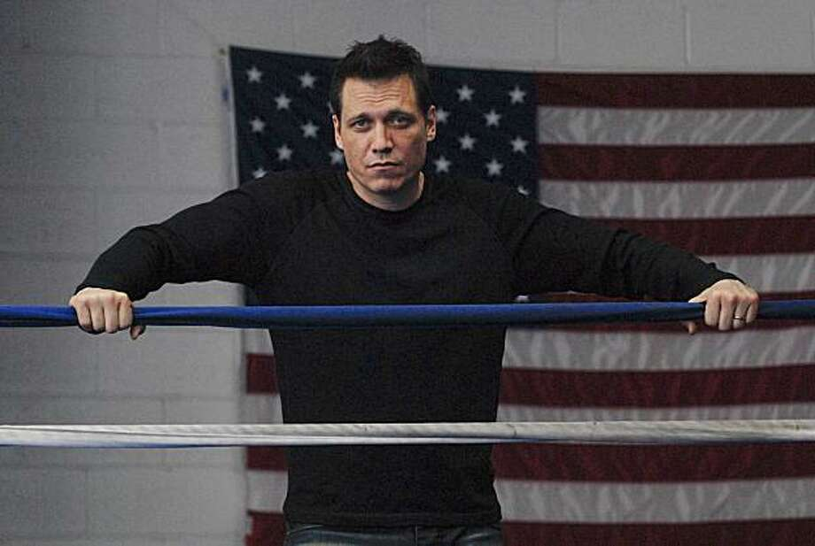 "In this undated publicity image released by FX, Holt McCallany, star of the FX original series ""Lights Out,"" is shown.  ""Lights Out,"" a new drama about a prize fighter, premieres, Tuesday, Jan. 11, 2011, at 10 p.m. EST on FX. Photo: Craig Blankenhorn, AP"