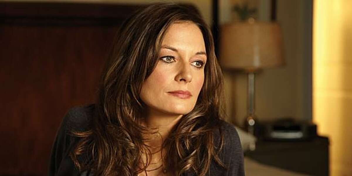 LIGHTS OUT: Catherine McCormack in LIGHTS OUT premiering Tuesday, Jan. 11 on FX.