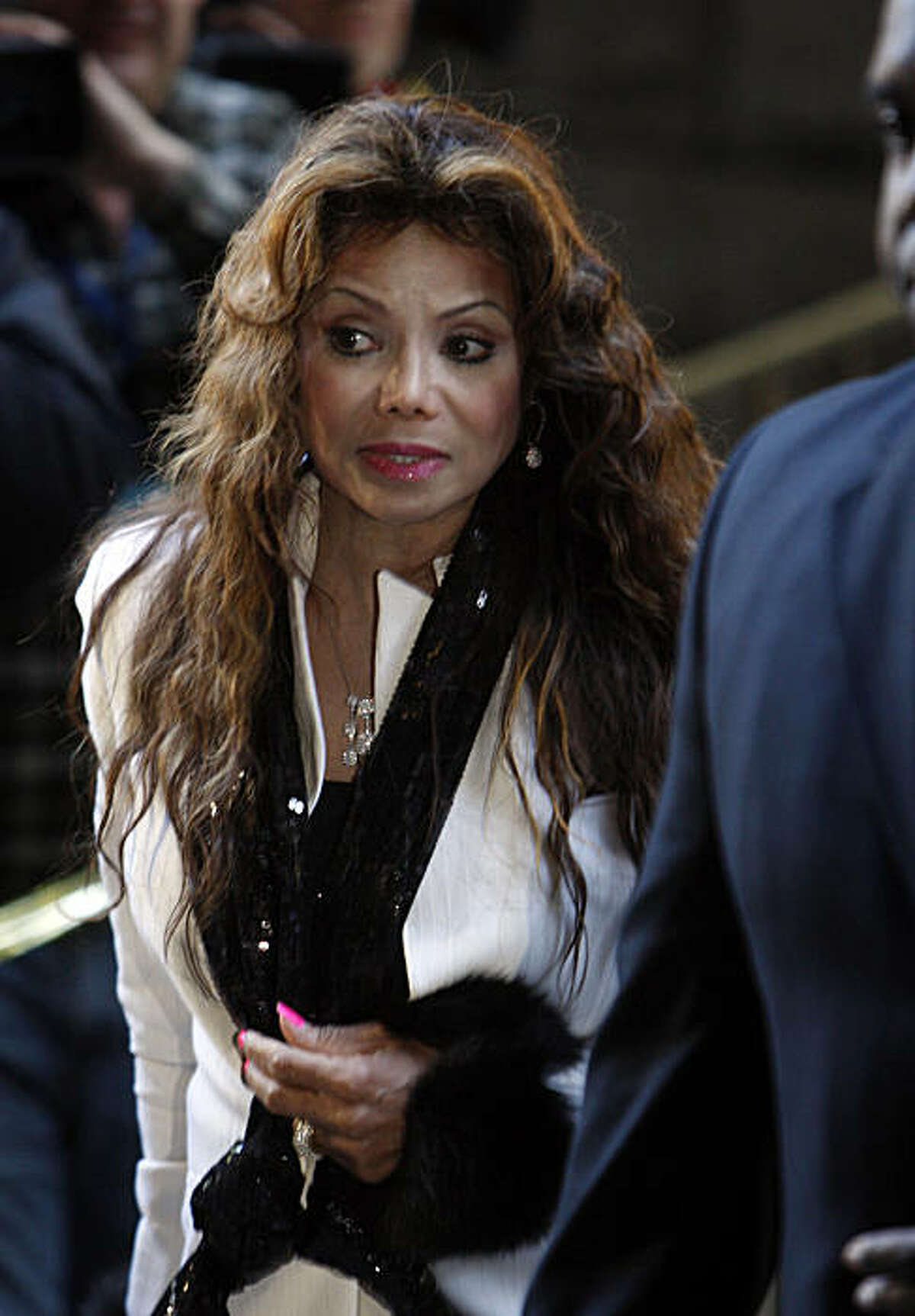 Michael Jackson's sister La Toya Jackson arrives for the preliminary hearing for Dr. Conrad Murray at the Criminal Courts building in downtown Los Angeles, California, January 4, 2011. Murray stands accused of involuntary manslaughter in connection with Jackson's June 25, 2009 death. (Genaro Molina/Los Angeles Times/MCT)