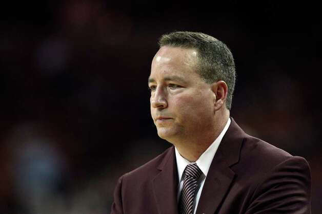Texas A&M head coach Billy Kennedy, during the second half against the University of Texas at the Frank Erwin Center in Austin, Texas, Wednesday, Jan. 11, 2012. The Longhorns won 61-51. JERRY LARA/glara@express-news.net Photo: JERRY LARA, Express-News / SAN ANTONIO EXPRESS-NEWS