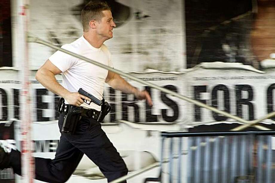 Ben McKenzie in TNT season of Southland Program Title:	 Southland Image Title:	Southland- Let It Snow Season:	3 Episode:	Jan 4- Let It Snow Photo Credit:	Doug Hyun  	  Description/ I.D.:
