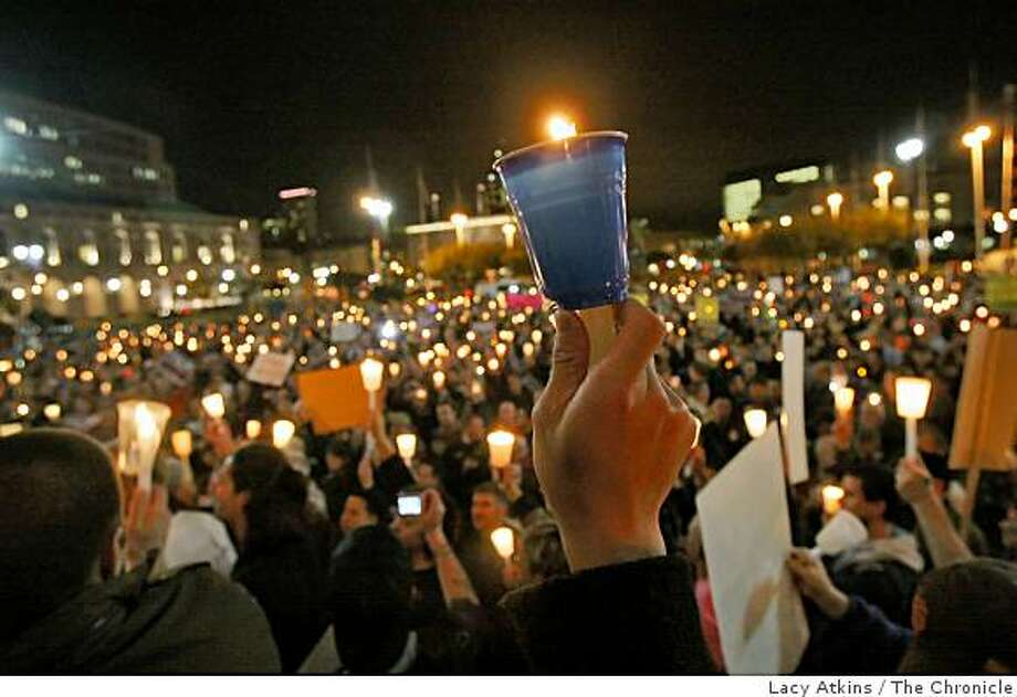 Hundreds of people gathered outside City Hall for a candlelight vigil in San Francisco, Calif., on Wednesday, Nov. 5, 2008. Photo: Lacy Atkins, The Chronicle