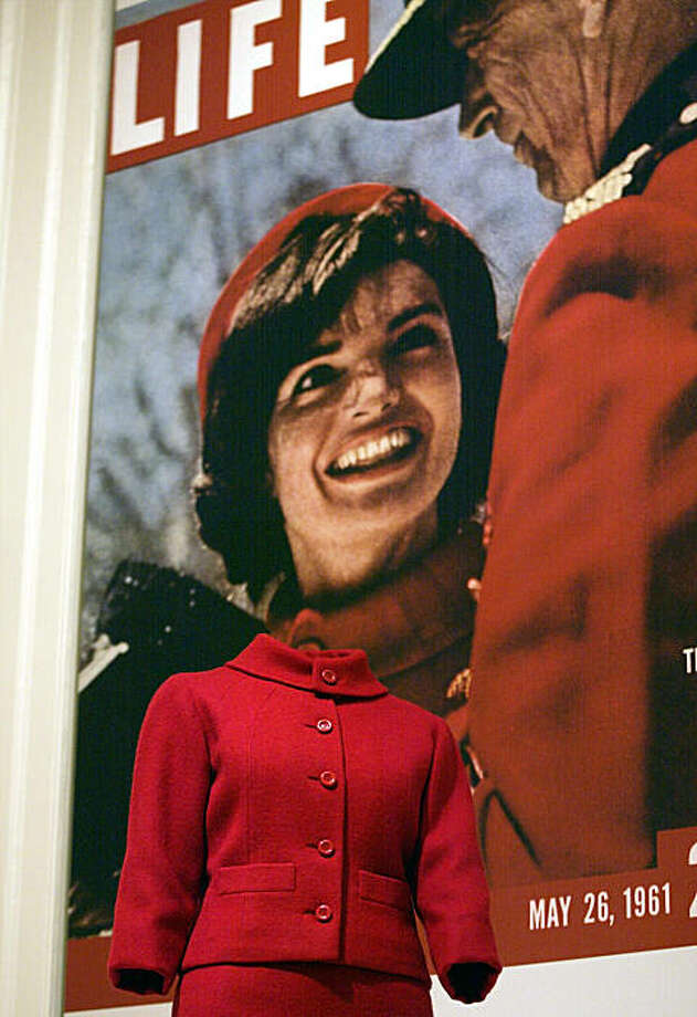 an introduction to the life of jacqueline lee bouvier kennedy onassis Jackie style, a look at the style of jacqueline lee bouvier kennedy onassis is a luscious book either for yourself, or as a gift for a stylish friend.