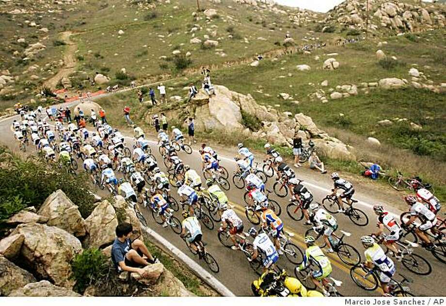 The peloton goes up the first King of the Mountain climb during the final stage of the Tour of California cycling race in Escondido , Calif., Sunday, Feb. 22, 2009. Photo: Marcio Jose Sanchez, AP