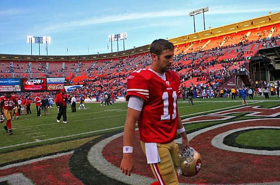 San Francisco 49ers quarterback Alex Smith walks off the field after losing to the Tennessee Titans, 34 to 27, Sunday Nov. 8, 2009, in San Francisco. Photo: Lacy Atkins, The Chronicle