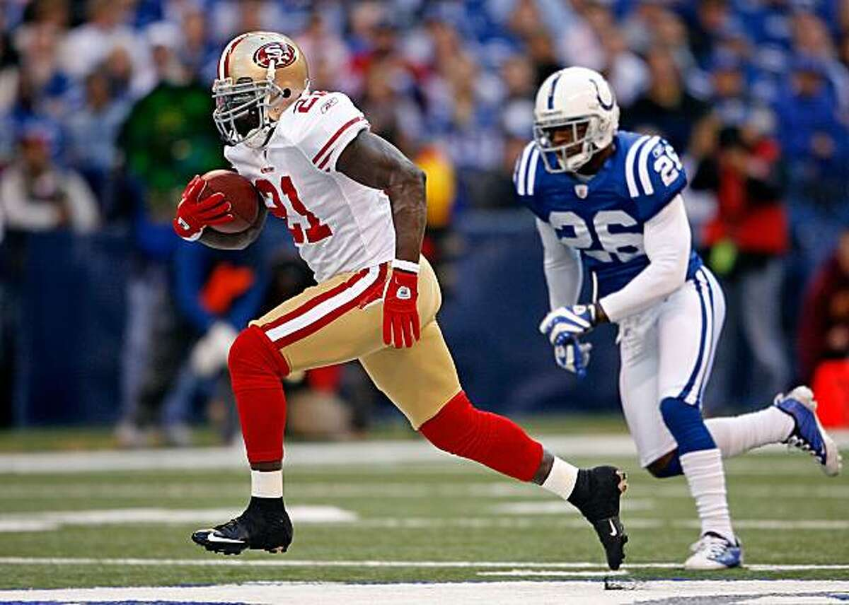 INDIANAPOLIS - NOVEMBER 01: Frank Gore #21 of the San Francisco 49ers runs for a touchdown during the NFL game against the Indianapolis Colts at Lucas Oil Stadium on November 1, 2009 in Indianapolis, Indiana. The Colts won 18-14. (Photo by Andy Lyons/Getty Images)