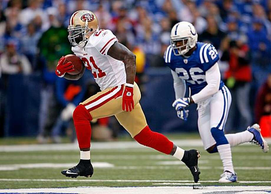 INDIANAPOLIS - NOVEMBER 01: Frank Gore #21 of the San Francisco 49ers runs for a touchdown during the NFL game against  the Indianapolis Colts  at Lucas Oil Stadium on November 1, 2009 in Indianapolis, Indiana. The Colts won 18-14.  (Photo by Andy Lyons/Getty Images) Photo: Andy Lyons, Getty Images