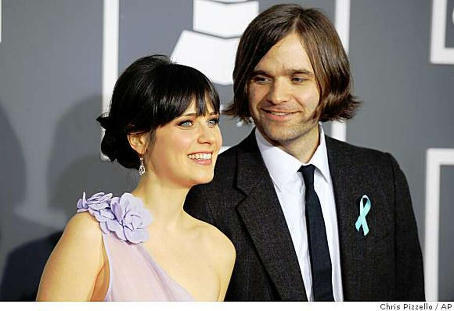 Zooey Deschanel, left, and Ben Gibbard arrive at the 51st Annual Grammy Awards on Sunday, Feb. 8, 2009, in Los Angeles. Photo: Chris Pizzello, AP
