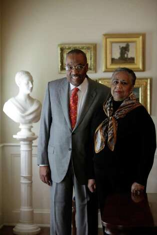 FOR METRO -- Dr. Harmon and Harriet Kelley at their Bluffview Estates house, Sunday, Sept. 13, 2009. They have been collectors of African American Art since the mid-1980's and some of their works will be on exhibit at the McNay Art Museum.  JERRY LARA\glara@express-news.net Photo: JERRY LARA, San Antonio Express-News / glara@express-news.net