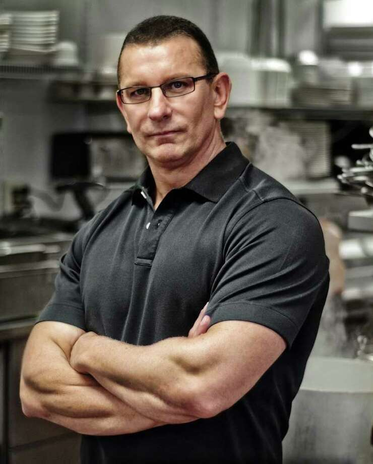 "Food Network's ""Restaurant: Impossible"" Chef Robert Irvine will have two days and $10,000 to revamp Knife & Fork Gastropub in San Antonio's Stone Oak area. Photo: Chris Potter"