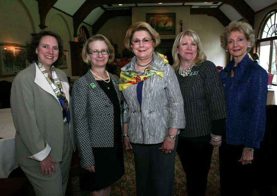 OTS/HEIDBRINK - Speaker and Event Chair Martha Smith, Military Pres. Julia Whitmore, Civilian Pres. Georgia Heath, Decoration Co Chairs Victoria Wood and Gail Grant gathered at the Military Civilian Club 90th Anniversary Luncheon at the Oak Hills Country Club. names checked photo by leland a. outz Photo: LELAND A. OUTZ, SPECIAL TO THE EXPRESS-NEWS / SAN ANTONIO EXPRESS-NEWS
