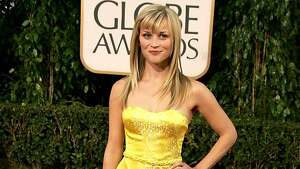 BEVERLY HILLS, CA - JANUARY 15:  Actress Reese Witherspoon arrives at the 64th Annual Golden Globe Awards at the Beverly Hilton on January 15, 2007 in Beverly Hills, California.  (Photo by Frazer Harrison/Getty Images)