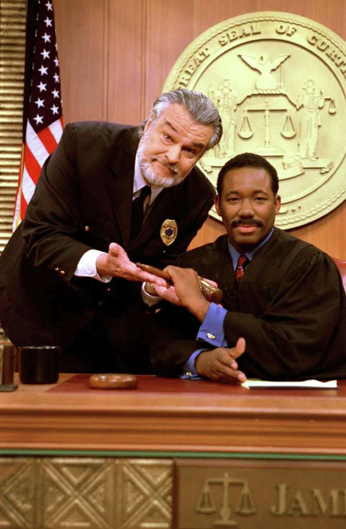 James Curtis (right) of CURTIS COURT gets a helping hand from guest bailiff, NIGHT COURT'S Richard Moll (left). This episode airs Tuesday, February 6, 2001 in nationwide syndication. photo: Eric Liebowitz / King World