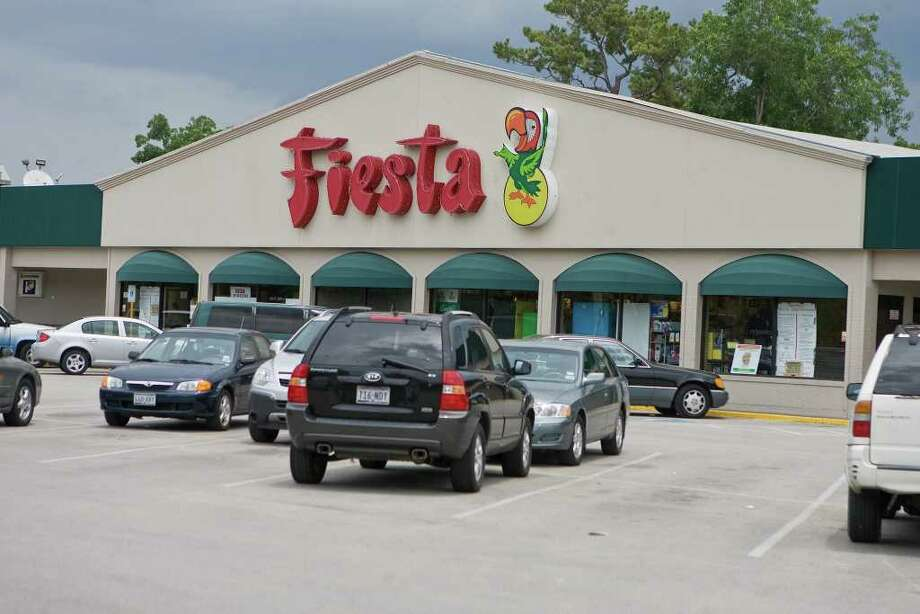 Fiesta has operated at 3803 Dunlavy since 1994. This location was originally a Weingarten store when it was built in the 1960s. Photo: R. Clayton McKee / Freelance