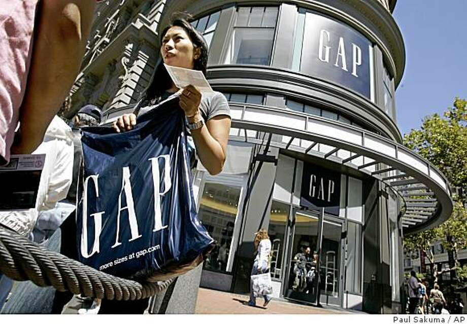 A customer leaves the Gap store in San Francisco, Monday, Aug. 20, 2007. Gap Inc. is expected to report second-quarter earnings after markets close, Thursday, Aug. 23, 2007. (AP Photo/Paul Sakuma)Ran on: 08-24-2007 Photo: Paul Sakuma, AP