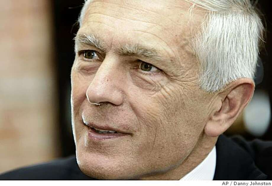 Retired U.S. Army General Wesley Clark is interviewed at his Little Rock, Ark., office Friday, Sept. 14, 2007. (AP Photo/Danny Johnston) Ran on: 09-16-2007 Photo: Danny Johnston, AP