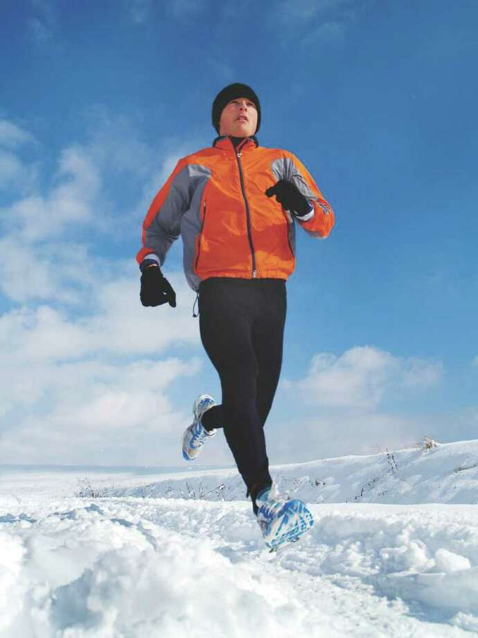 Winter is actually a great time for outdoor running. (Fotolia.com) Photo: Mark Tilly / einstein - Fotolia