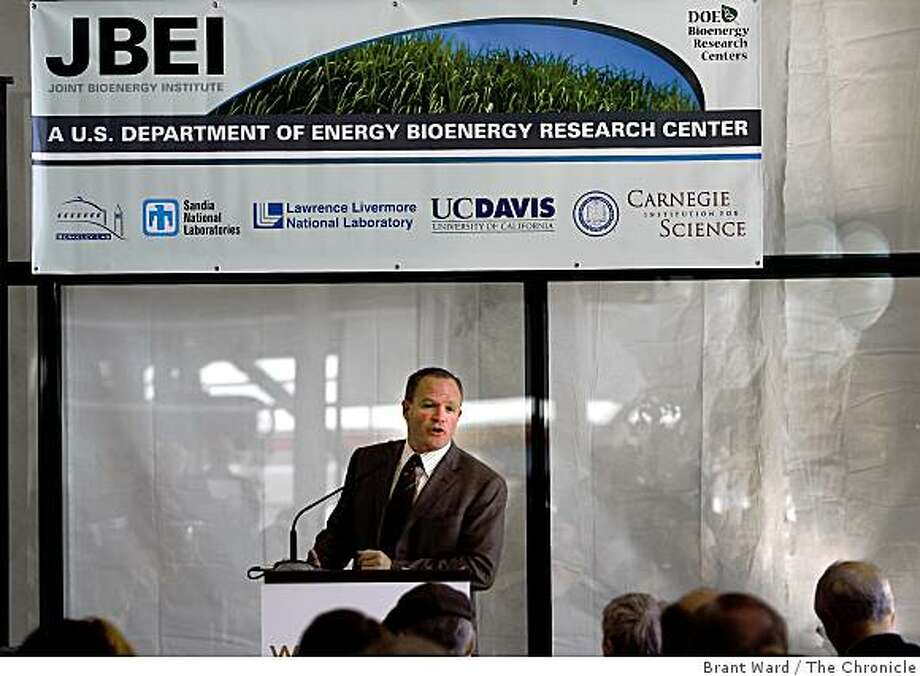 The Joint BioEnergy Institute announced more than a year ago that it would open a biofuels research center in the Bay Area. The lab will be dedicated Dec. 2, 2008. It fills a full floor at EmeryStation East, a state-of-the-art laboratory building in Emeryville. Photo: Brant Ward, The Chronicle