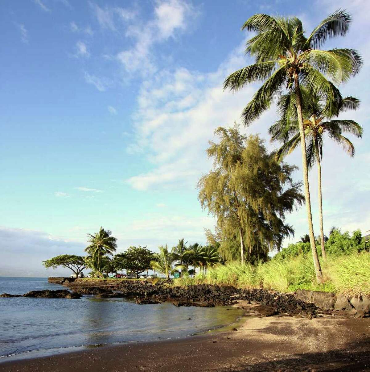 According to an unpublished Smithsonian Institution chart, the U.S. Exploring Expedition arrived in Hawaii in 1840 at this small, unmarked beach.