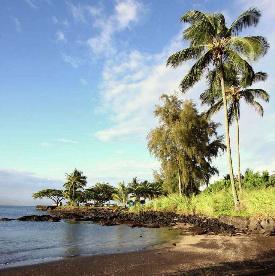 According to an unpublished Smithsonian Institution chart, the U.S. Exploring Expedition arrived in Hawaii in 1840 at this small, unmarked beach. Photo: For The Express-News, FORREST M MIMS 111