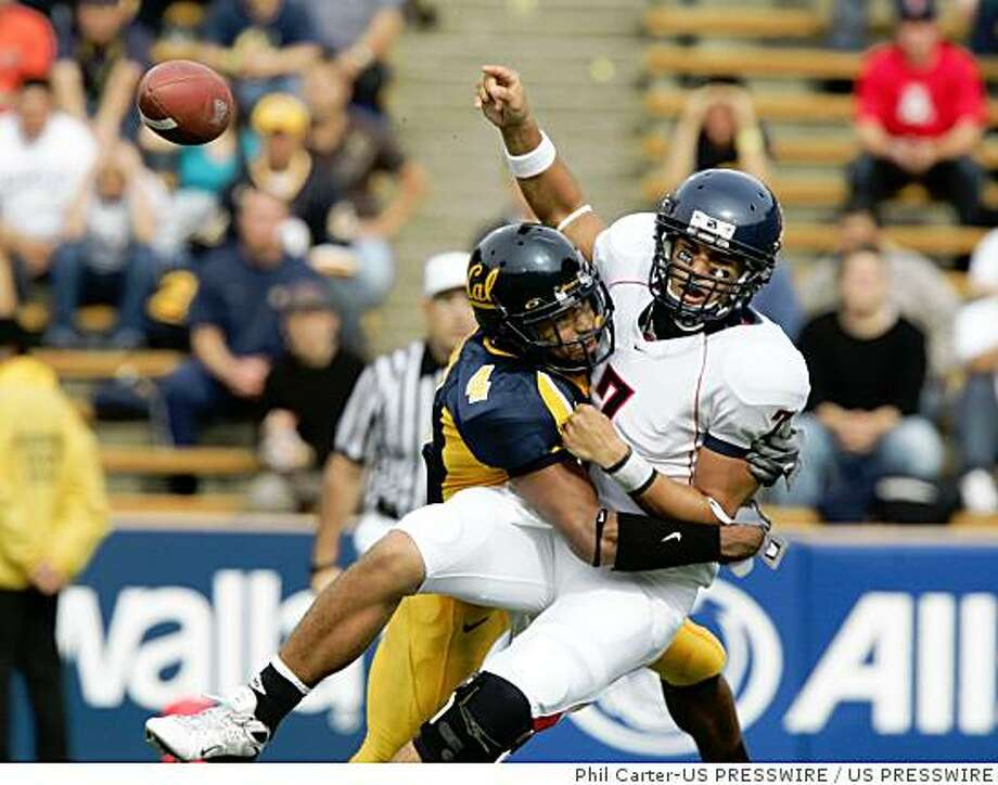 Willie Tuitama could see some better days, and perhaps some upsets this year for Arizona. Photo: Phil Carter-US PRESSWIRE, US PRESSWIRE
