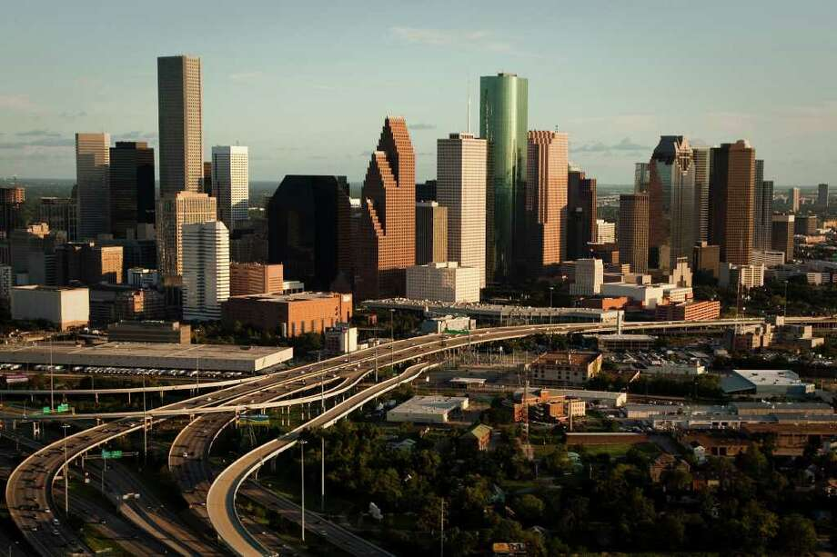 Aerial view of the downtown Houston skyline Sunday, Aug. 16, 2009, in  ( Smiley N. Pool / Chronicle ) Photo: Smiley N. Pool / Houston Chronicle