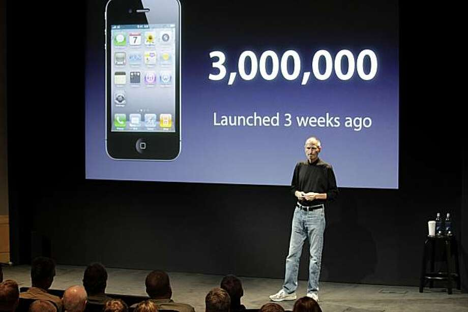 """Steve Jobs, chief executive officer of Apple Inc., talks about the Apple iPhone 4 at a news conference in Cupertino, California, U.S., on Friday, July 16, 2010. Jobs says the company learned of iPhone 4's reception glitch 22 days ago and is """"working our butts off"""" to figure out the problem, which he called """"Antennagate."""" Photographer: Tony Avelar/Bloomberg *** Local Caption *** Steve Jobs Photo: Tony Avelar, Bloomberg"""