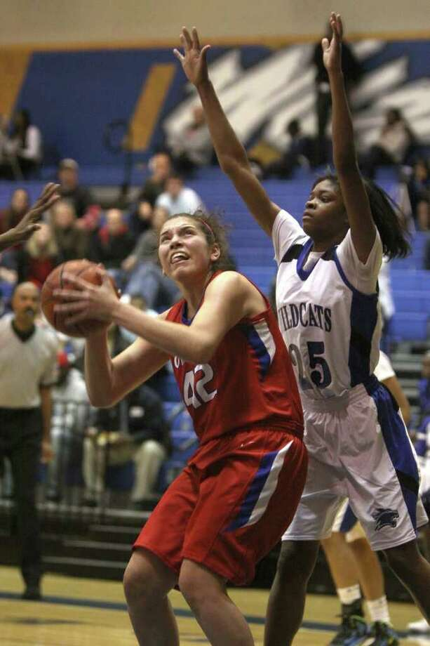 Girls basketball second teamCarissa Diaz, Tomball Photo: Alan Warren, Houston Chronicle / ©2011 Houston Chronicle