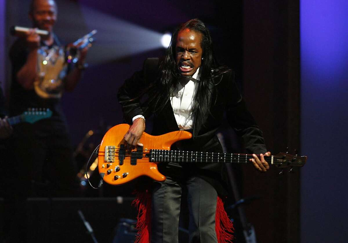 Verdine White, of the band Earth, Wind and Fire, performs during the Apollo Theater's annual Hall of Fame induction ceremony Monday, June 2, 2008 in New York.