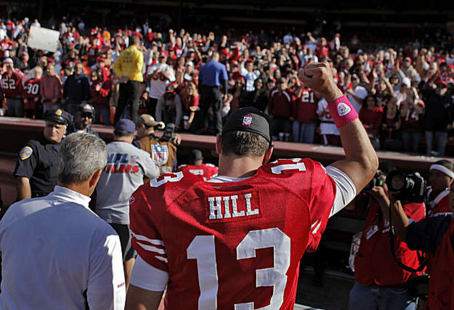 49ers quarterback Shaun Hill acknowledges the crowd as he leaves the field after the 49ers defeated the St. Louis Rams at Candlestick Park in San Francisco on Sunday. Photo: Carlos Avila Gonzalez, The Chronicle