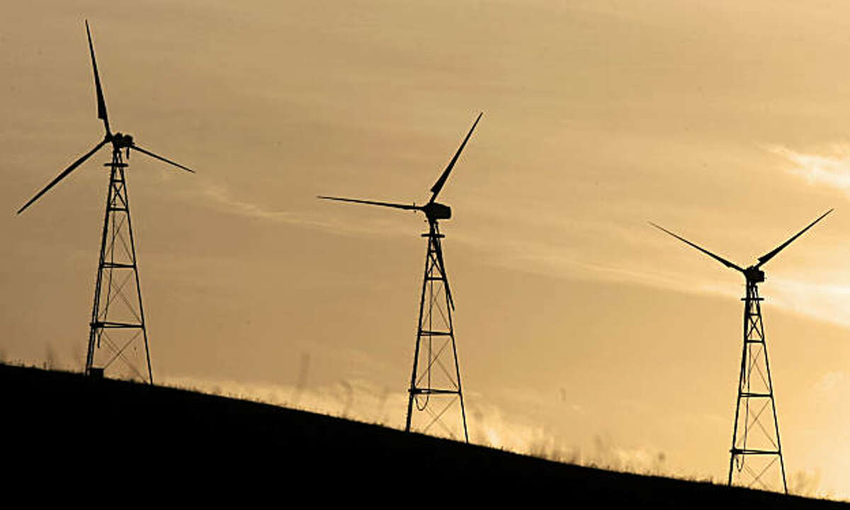 For years, wind energy turbines at Altamont Pass have been blamed for killing thousands of birds each year. A settlement announced Monday calls for the largest company at Altamont to replace its old towers with fewer, taller, more efficient turbines to reduce bird fatalities.