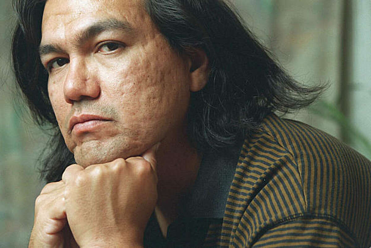 Victor Martinez, a farmworker turned author whose novel won National Book Award, dies at 56. (Gary Friedman/Los Angeles Times/MCT)