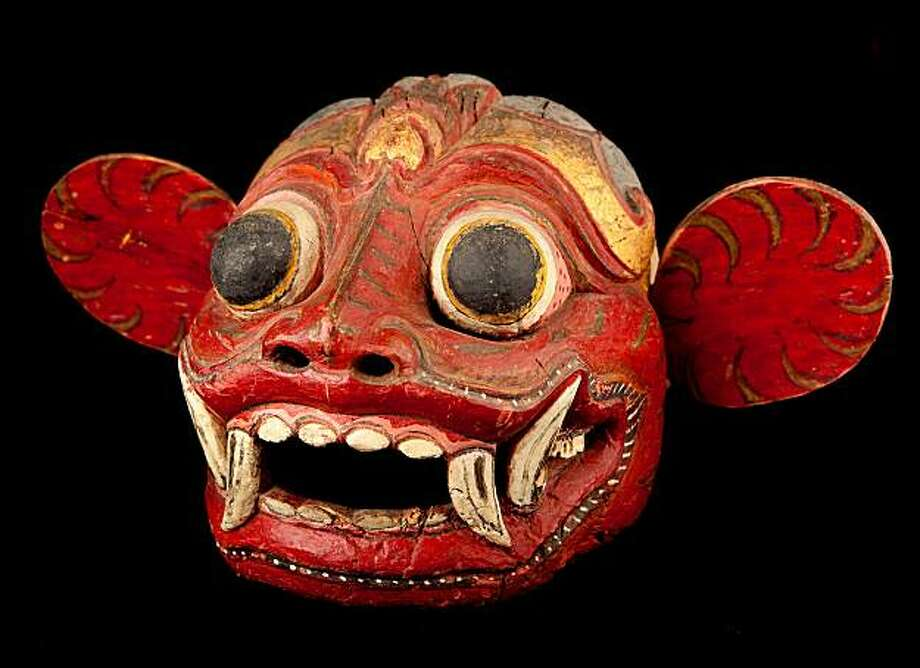 AAM Bali Gallery 90 Lion barong (barong singa), approx. 1900?1925. Wood, pigments, rawhide, horsehair. H: 11? in; W: 21? in; D: 27? in. Tropenmuseum, Amsterdam, 740-43. Photo by Kaz Tsuruta. Photo: Kaz Tsuruta