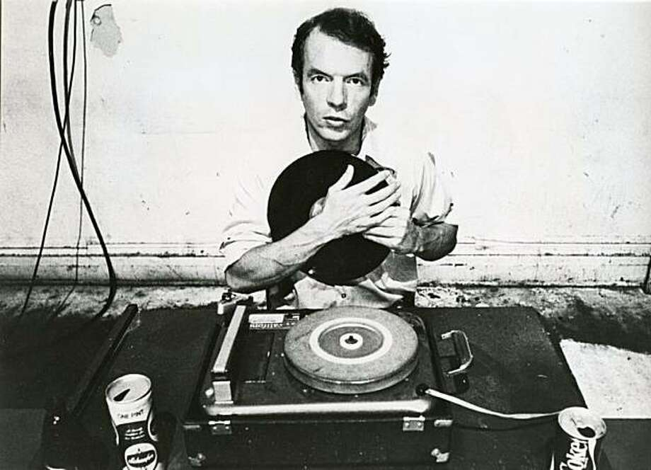 Spalding Gray in AND EVERYTHING IS GOING FINE, directed by Steven Soderbergh. Photo: ©Nancy Campbell, IFC Films