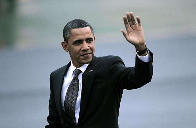 President Obama waves goodbye as he prepares for a ride on Marine One out of  San Francisco International airport, on Thursday Feb. 17, 2011,  for a one day visit with local business leaders in the fields of technology and innovation. Photo: Michael Macor, The Chronicle