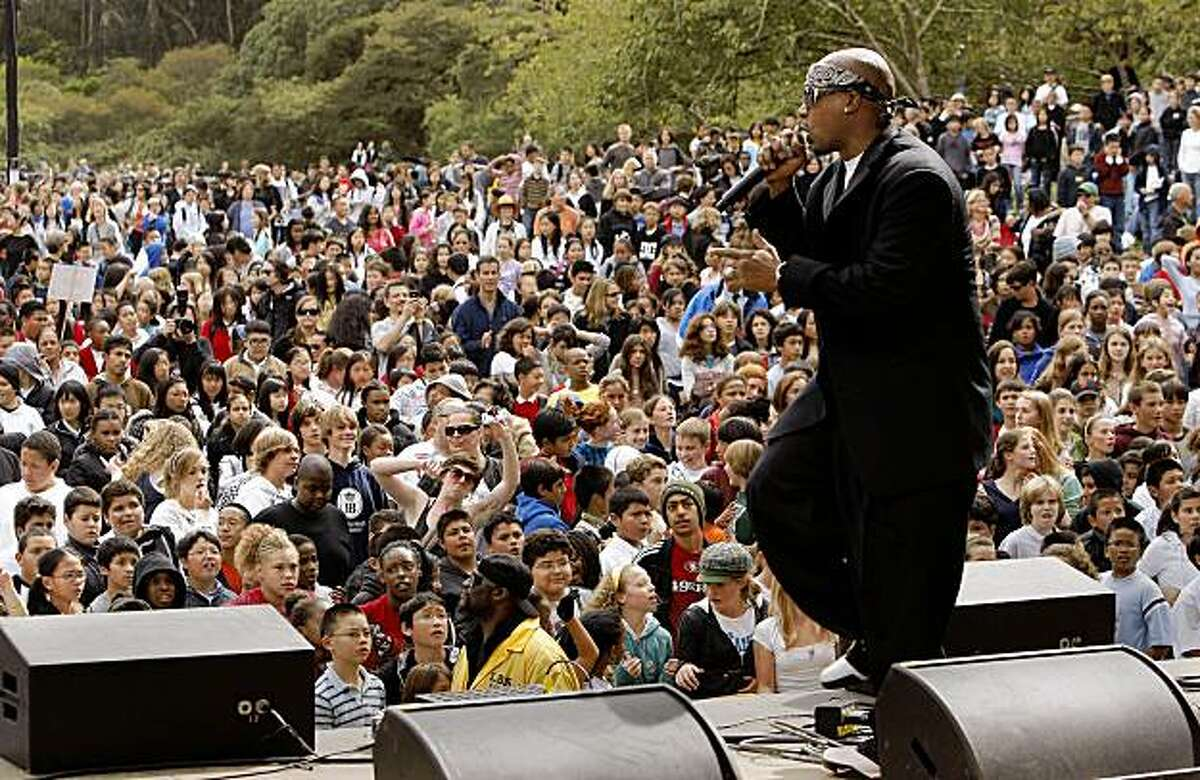 """Hip-Hop legend """"MC Hammer"""", thrills the crowd with his songs and dance in San Francisco, Calif. on Friday Oct. 3, 2008, as the Daniel Pearl Foundation kicks off the Hardly Strictly Bluegrass Festival, entertaining kids from local schools."""