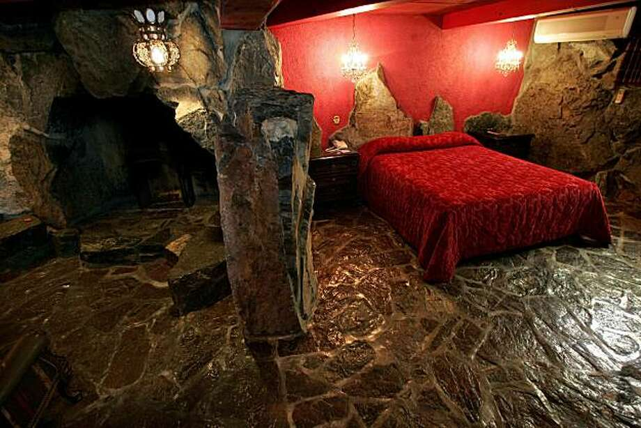 "Interior view of the ""Old World"" room at the Madonna Inn, in San Luis Obispo, Calif., is shown May 17, 2007. Photo: Mel Melcon, AP"