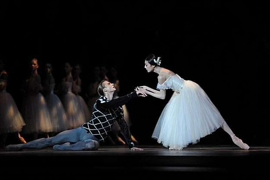 Yuan Yuan Tan and Artem Yachmenikov in Tomasson's Giselle. Photo: ©Erik Tomasson